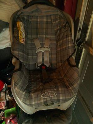 Graco car seat for Sale in Bridgeton, MO