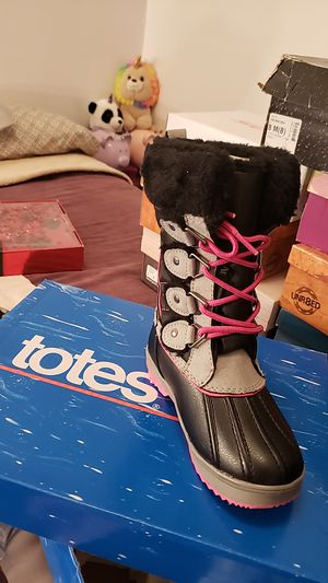Kids Totes snow boots for Sale in Chicago, IL
