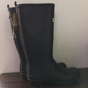 Smith & Hawken Womens rain boots Available in sz 7 & 9 for Sale in Hialeah, FL