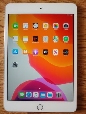 iPad mini 4 128gb like new Silver for Sale in Houston, TX
