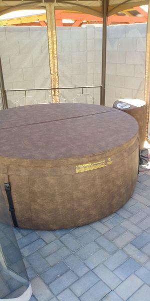 Softub 220 hot tub for Sale in Goodyear, AZ