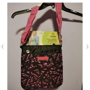 Zumba Crossbody Bag Hot Pink Black for Sale in Las Vegas, NV