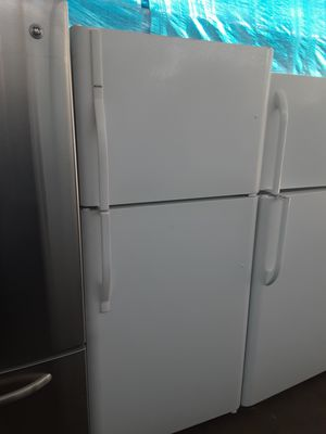 $265 Kenmore 20 cubic white fridge includes delivery in the San Fernando Valley a warranty and installation for Sale in Los Angeles, CA
