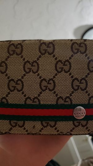 Gucci Wallet for Sale in Cleveland, OH