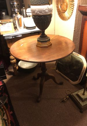 Antique walnut tilt-top table for Sale in Cleveland, OH
