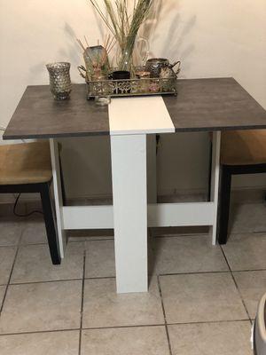 Kitchen table for Sale in Miami Beach, FL
