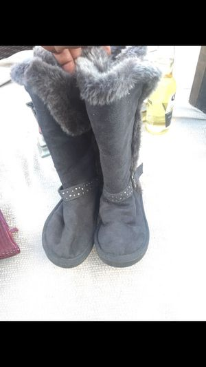 Boots size 2 for Sale in San Diego, CA