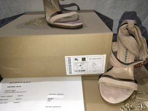 Authentic rare Burberry Sandal SIZE 35, preowned condition LOCAL PICK UP ONLY for Sale in Grand Prairie, TX