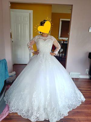 Wedding dress for Sale in Melrose Park, IL