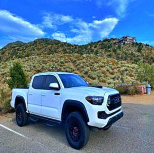 Good Deal 2017 Toyota Tacoma AWDWheels for Sale in Harrisonburg, VA