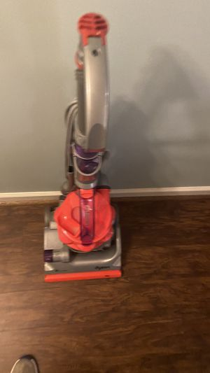 """Dyson DC14 """"THE ANIMAL""""!! low access upright vacuum cleaner for Sale in Pelham, AL"""