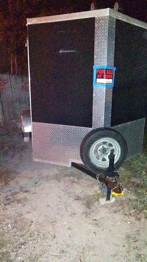 6x12 enclosed trailer v nose for Sale in Mount Dora, FL