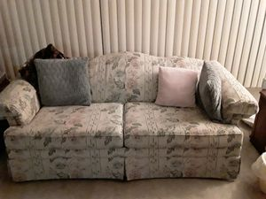 Couch/love seat for Sale in Fresno, CA