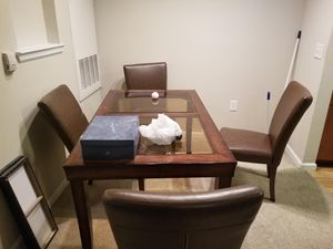 Kitchen table set w/4 leather chairs for Sale in Columbia, SC