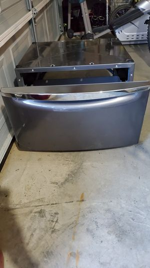Waher/Dryer Pedestal for Sale in CORNWALL Borough, PA