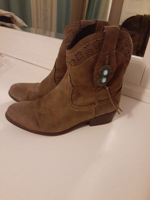 Girl boots size 2 for Sale in Goodyear, AZ