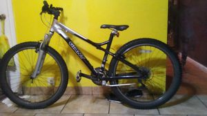 Giant Rincon 6061 aluxx 17 inch body boys mountain bike for Sale in Philadelphia, PA