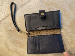 Coach Phone Clutch NEW for Sale in Kissimmee, FL