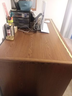 Solid wood computer desk for Sale in Beaverton, MI