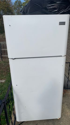 Frigidaire fridge and freezer great condition almost new for Sale in Madison Heights, VA