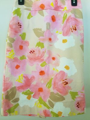 Lined floral pattern skirt - Sz 0 - 2 for Sale in Niles, IL