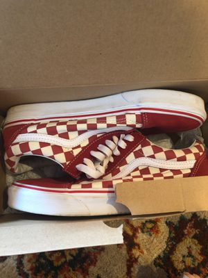 OLD SKOOL VANS- WOMEN SIZE 9.0 MENS 7.5 for Sale in Oyster Bay, NY