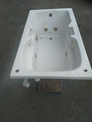 Jacuzzi Tub Works Great for Sale in Tacoma, WA