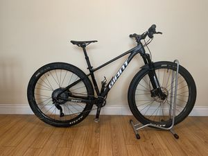 2019 Giant Fathom 29er 1 mountain bike for Sale in Pico Rivera, CA