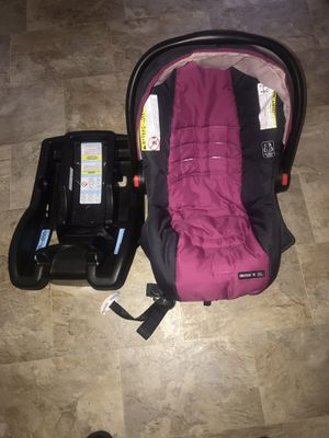 Infant Car Seat And Base for Sale in Tallahassee, FL