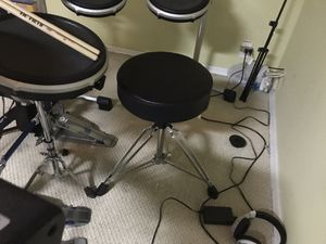 Yamaha full drum set. CALL FOR PRICE. NOT A DOLLAR. for Sale in Queens, NY