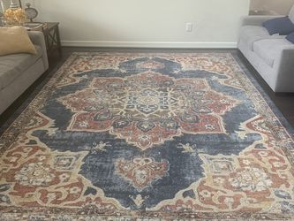 Beautiful Traditional Style 9x12' Rug for Sale in Rosenberg,  TX