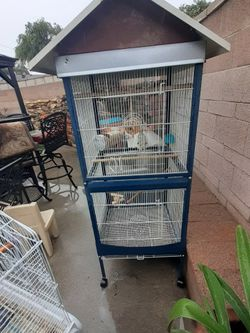 Large Bird Cage (Pending for Sale in Pomona,  CA