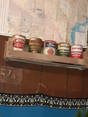 Old oil cans for Sale in Clyde, TX