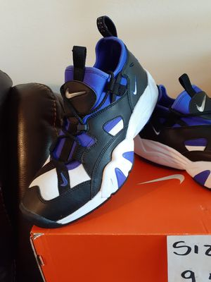 NIKE SIZE 9.5 FOR MEN for Sale in Highland, CA