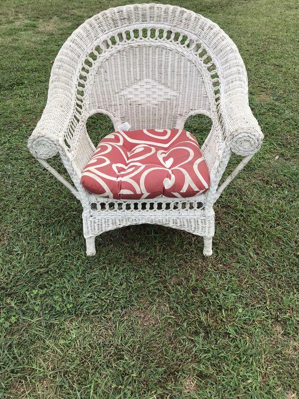 Wicker chair & cushion