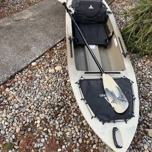 Ascend Kayak 10'. Paddle And Seat Included. for Sale in Kent, WA
