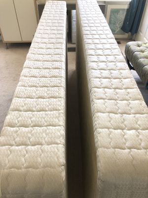 Box Springs for Kings Size Bed for Sale in Alexandria, VA