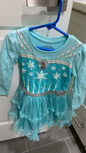Elsa dress size 3T for Sale in City of Industry, CA