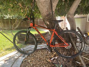 Trek XCaliber 6 Large Mountain Bike 29 in Tires. for Sale in Pico Rivera, CA