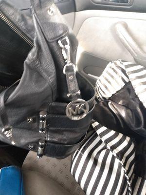 Michael kors black leather handbag for Sale in Portland, OR