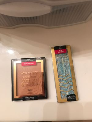 Wet n wild highlighter and bronzer for Sale in Saginaw, TX