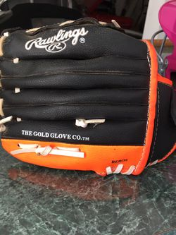 Rawlings Youth Baseball glove & Visor for Sale in Mooresville,  IN
