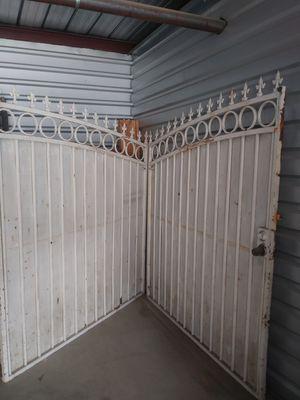 12 foot double rod iron gate for Sale in Fontana, CA