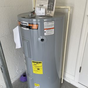 Water Heater 50 Gallons for Sale in Winter Haven, FL