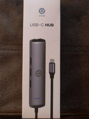 UTAXO USB-C-HUB —-NEW for Sale in Deatsville, AL