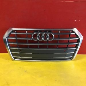 2018 2019 Audi Q5 Grille OEM for Sale in Los Angeles, CA