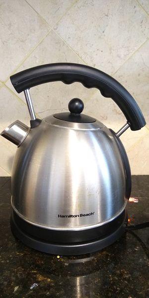 1.7 liter cordless electric kettle for Sale in Sully Station, VA