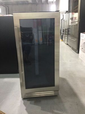 Commercial Can Beverage Cooler Home Appliances Kitchen OutdoorRefrigerator Refrigerador Terraza Patio Avanti COR30W3S for Sale in Miami, FL