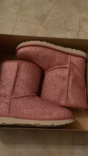 NEW Ugg boots for Sale in Sharon Springs, NY