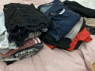 Free Women's Clothes for Sale in San Bruno,  CA